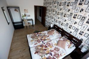 Pokoje penzionu a restaurace Patron Brno